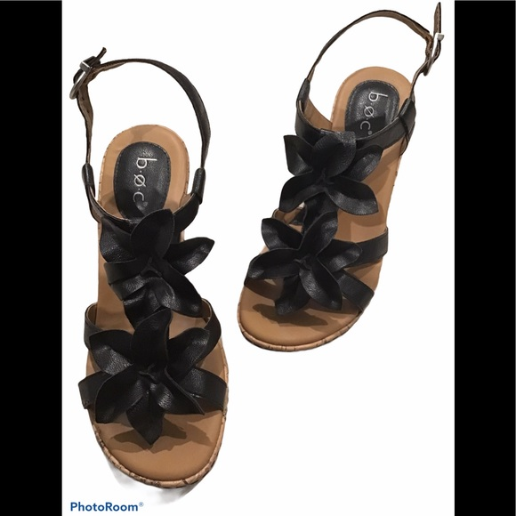 BORN b.o.c. Edith Flower Black Wedge Sandals